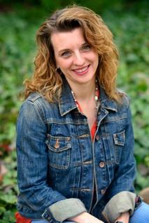 Nov 06 - closeup - Larissa Reinhart